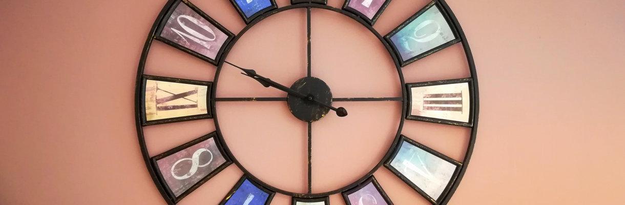 Zegar w MBP w Jarosławiu